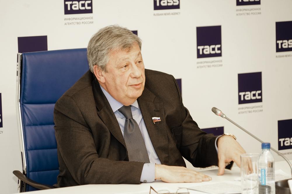 Руководитель Свердловской области ирэпер Мот открыли кабинет заявочного комитета ЭКСПО
